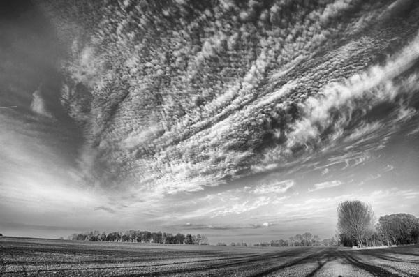Sky... by Oxygenum