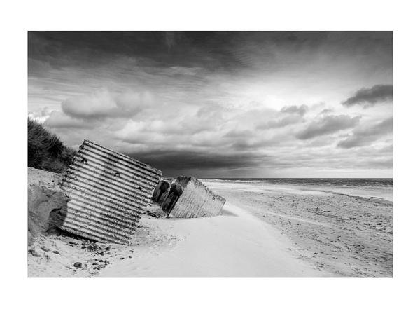 Stormy Alnmouth by robdebank