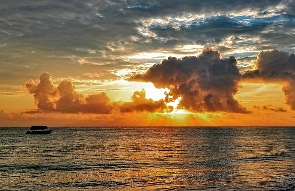 Caribbean sunset by MAK54