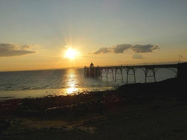 Sunset on Clevedon Pier by bonny