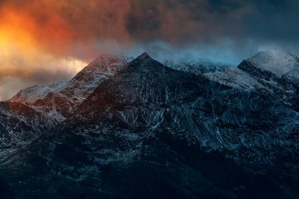 Snowdon Summit last light.. by J_Tom