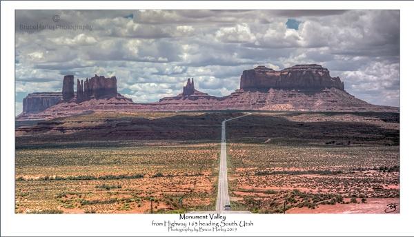 Monument Valley by MunroWalker