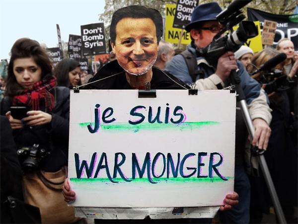 Je suis Warmonger by kombizz