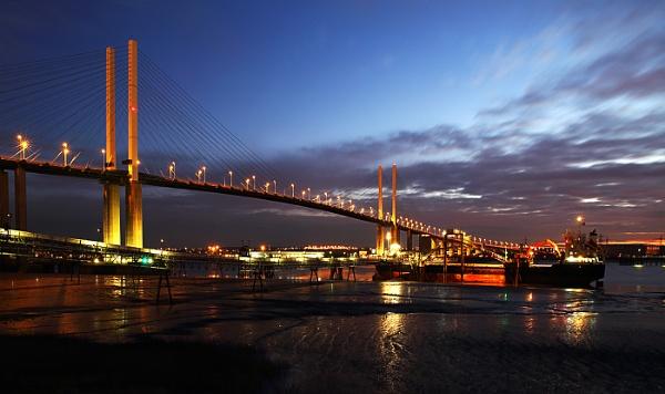 QE2 BRIDGE DARTFORD by Graham_Woolmer
