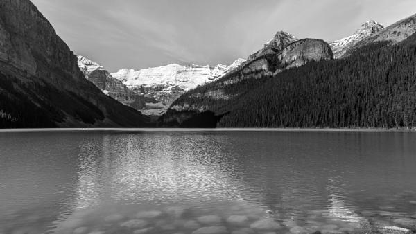 Lake Louise by pdunstan_Greymoon