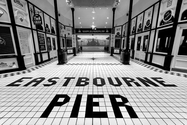 Eastbourne Pier by sitan1