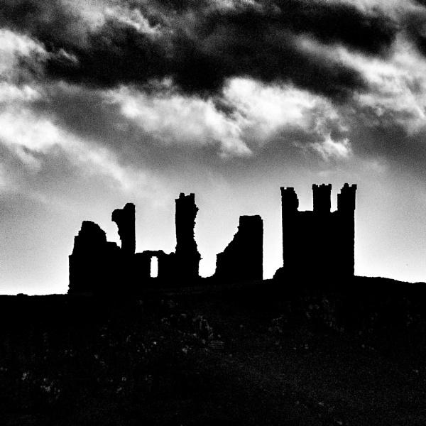 Broken Crown by icphoto