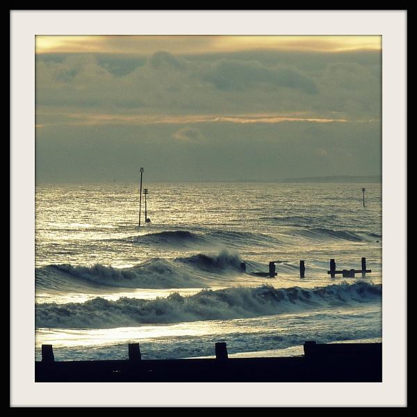 Breaking Waves by Philip_H