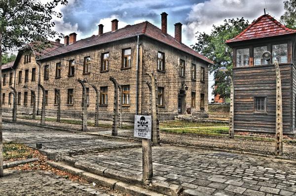 Auschwitz by lampgb