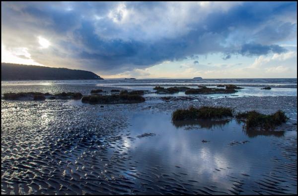 Low Tide by bwlchmawr