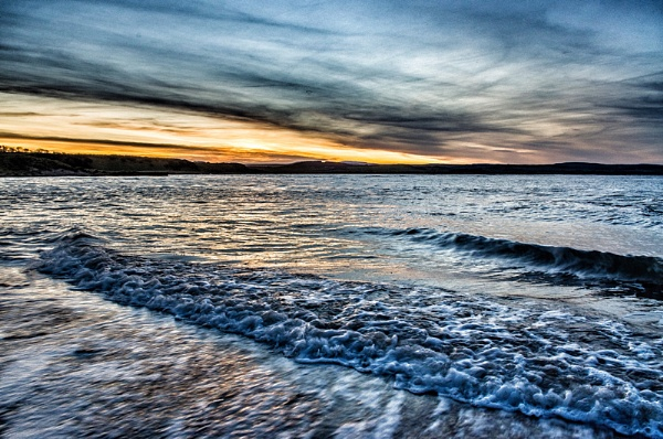 Sunset Budle Bay by icphoto