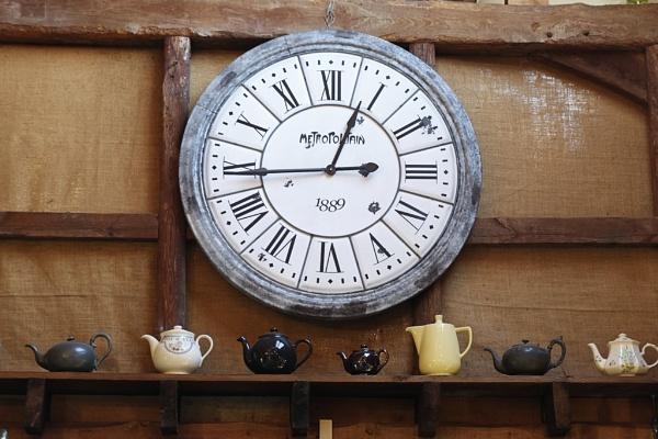 Teatime by rburnage