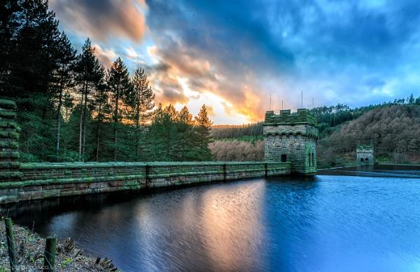 Upper Derwent Dam by Philpot