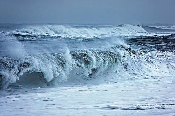 Raging Seas by FranJ