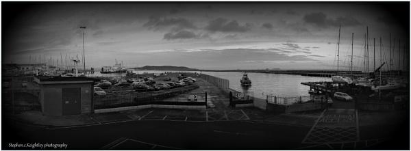 Dun laoghaire harbour dublin by STEVELIN