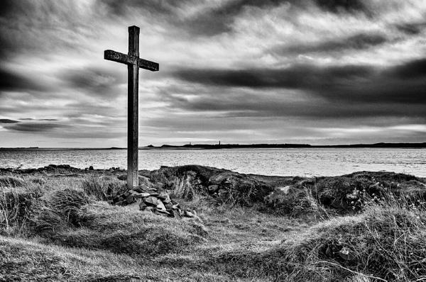 St Cuthbert\'s Island by icphoto