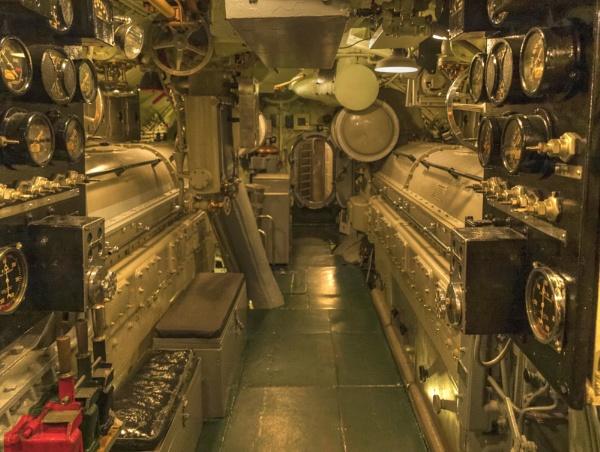 USS Drum Engine Room by jbsaladino
