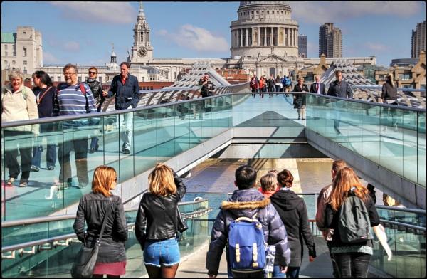 Millennium Bridge, London by dukes_jewel