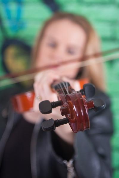 Violinist by delboy1145