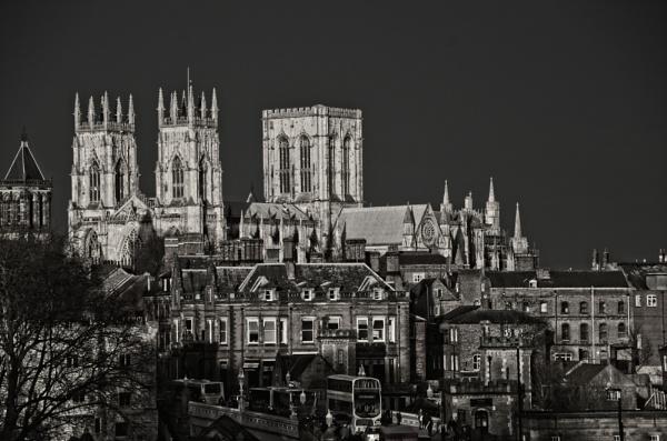 Black & White Minster Show by mistere