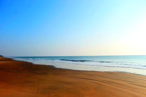 Beach by jamesthalakottur