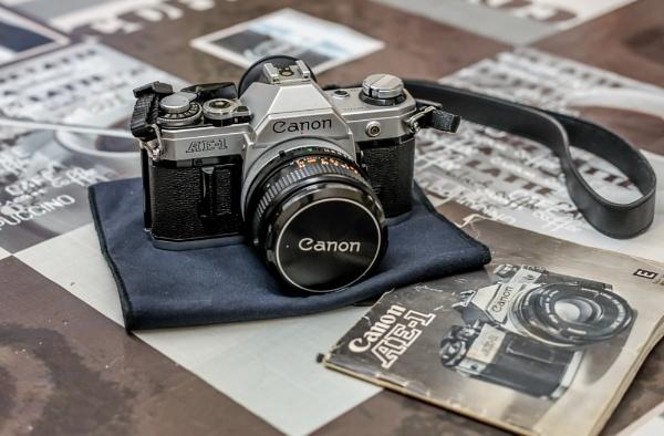 Canon AE-1 by kermode111