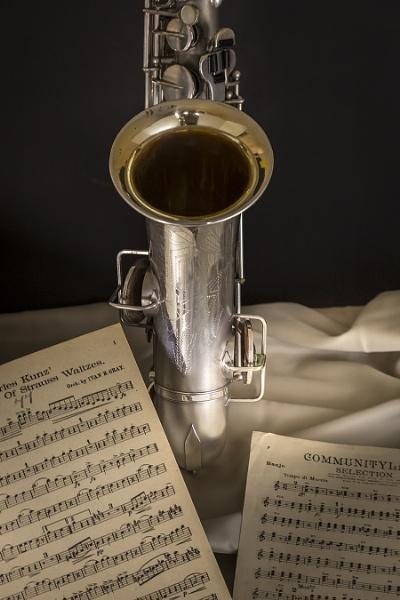 Saxophone by ednys