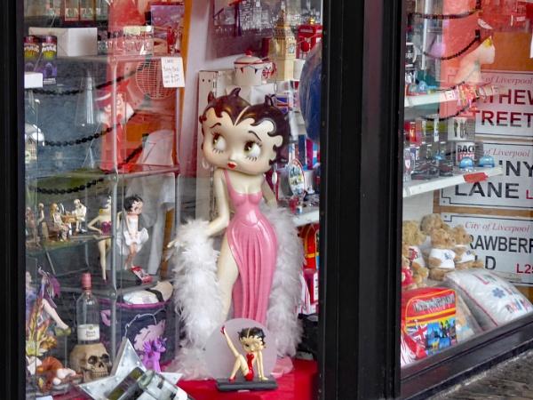 Shop window Albert Dock by Ted447