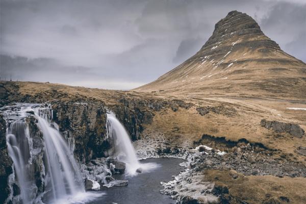 Kirkjufellsfoss by JordanJackson