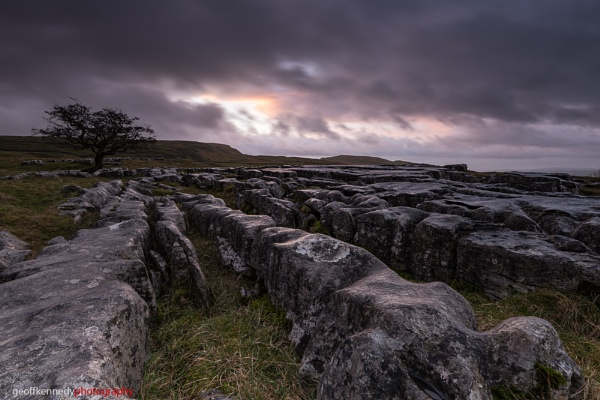 Dark Rocks by geffers7