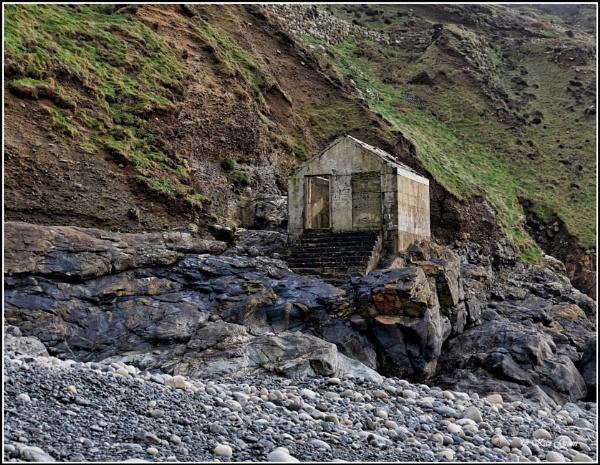 Ye Olde Hut! by kaz1