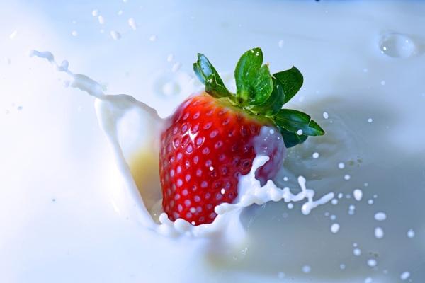 Strawberry Splash by BigErnie