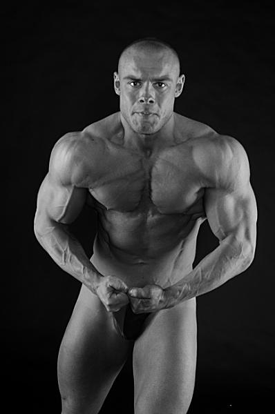 Bodybuilder 2 by ginz04