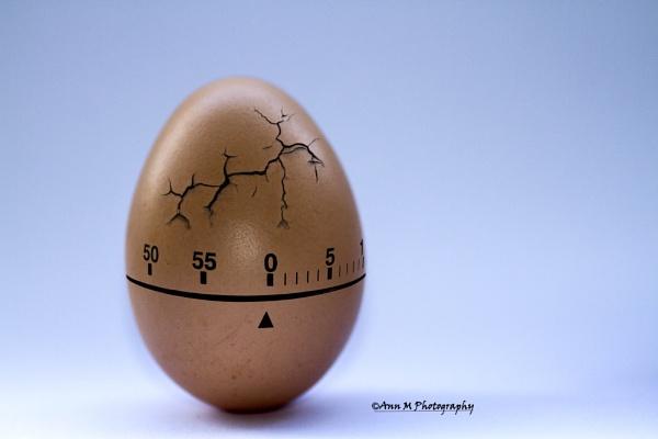 Cracking on Time by lukara