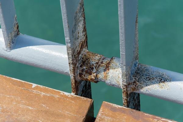 Rusty railing by harrych72