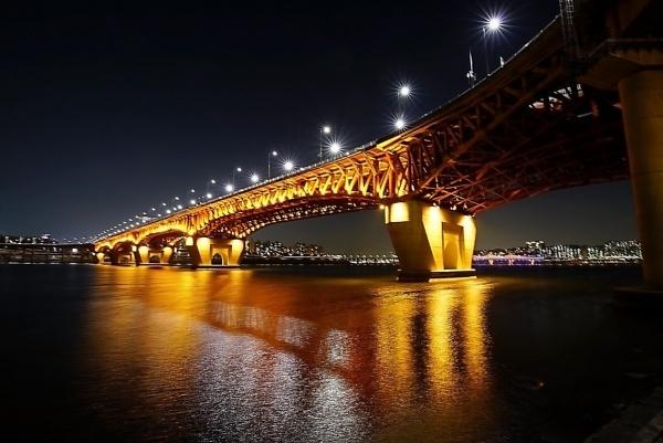 Sungsu Bridge in Seoul, Korea by thomaskong78