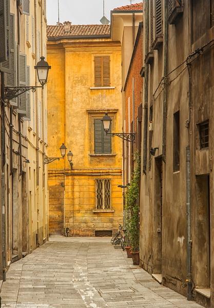 Reggio Emlia, Italy by petejeff