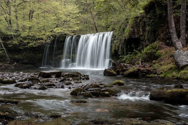 Pontneddfechan waterfall by Pj0