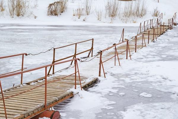 frozen bridge by PhotoEarl