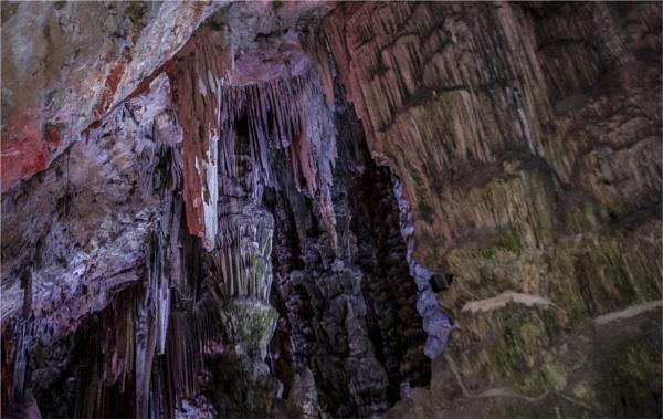 Inside Gibraltar\'s Cave system #1 by videotec