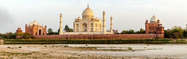 Taj Mahal at evening by alansnap