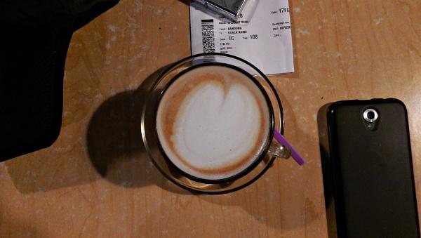 Coffe Break for delayed flight by pptbudi