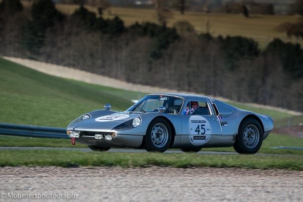 Porsche 904 by Mounters