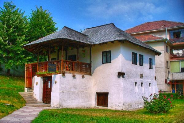 Memorial Museum Anton Pann in Ramnicu Valcea. by marimea43