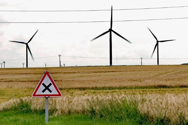 wind turbine sign ! by jeakmalt