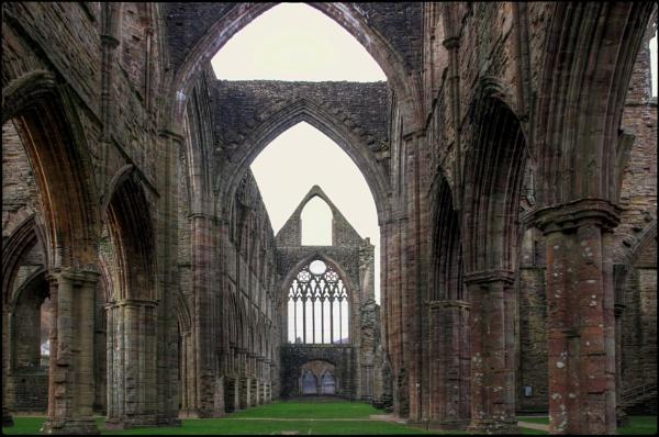 Abaty Tyndyrn - Tintern Abbey by dukes_jewel
