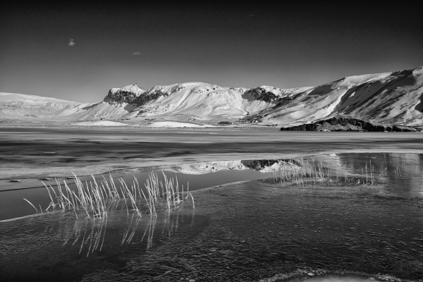 Iceland by RobboB