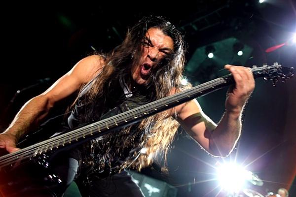 Bass Metallica by eyewhy