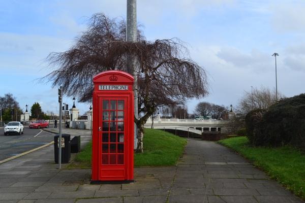 telephone box in Warrington by lubbrez