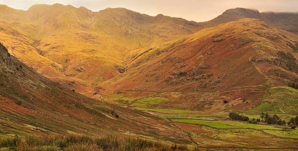 Langdale Peaks by bart_hoga